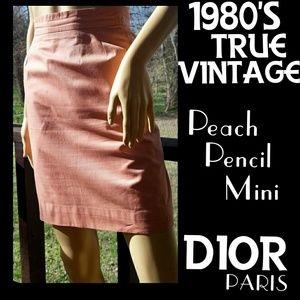 ⭐️HP⭐️VTG▪️DIOR▪️1980's Peach Mini Pencil Skirt